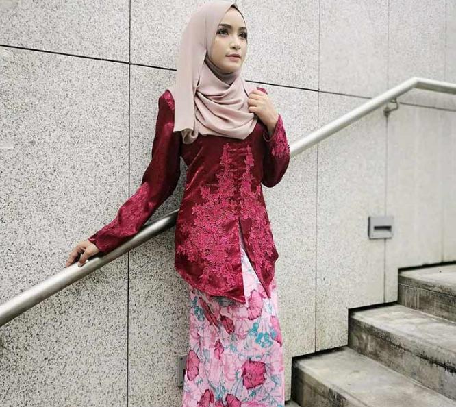 30 Model Kebaya Modern Elegan Terbaru Nomer 8 Paling Cantik August 2019