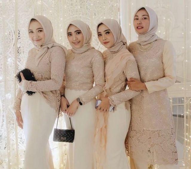 Bridesmaid Dress Pendek